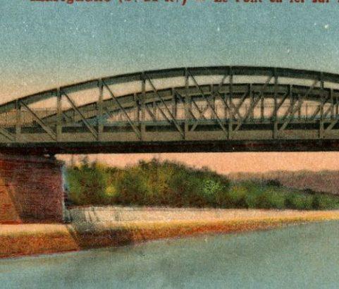 Les ponts sur le canal - Photo Archives Ville de Marignane