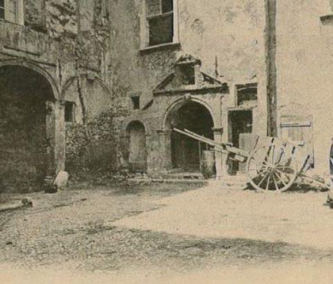Cour du Château - Photo Archives municipales