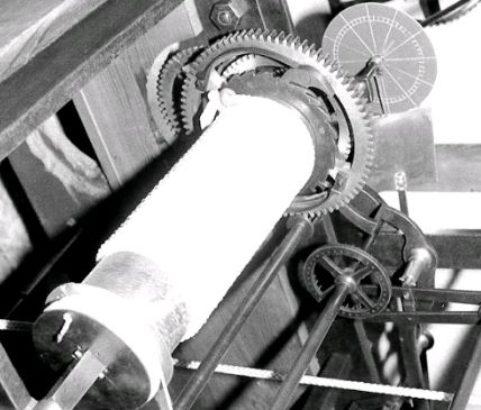 Mécanisme de l'horloge du beffroi - Photo Archives Municipales